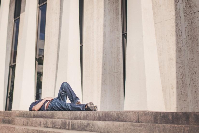 burnout-chilling-lying-4129-825x550