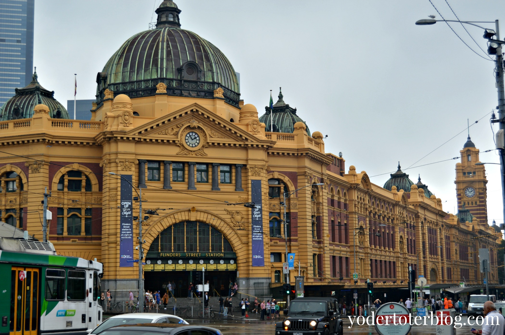 A walking tour of Melbourne with kids- Flinders Street Station