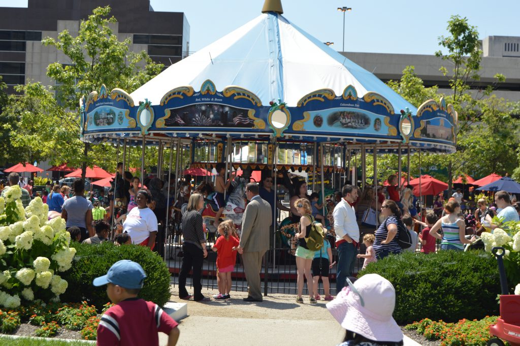 Free things to do in Columbus, Ohio with kids - Visit the Columbus Commons. Every Friday in the summer months there is a host of free activities