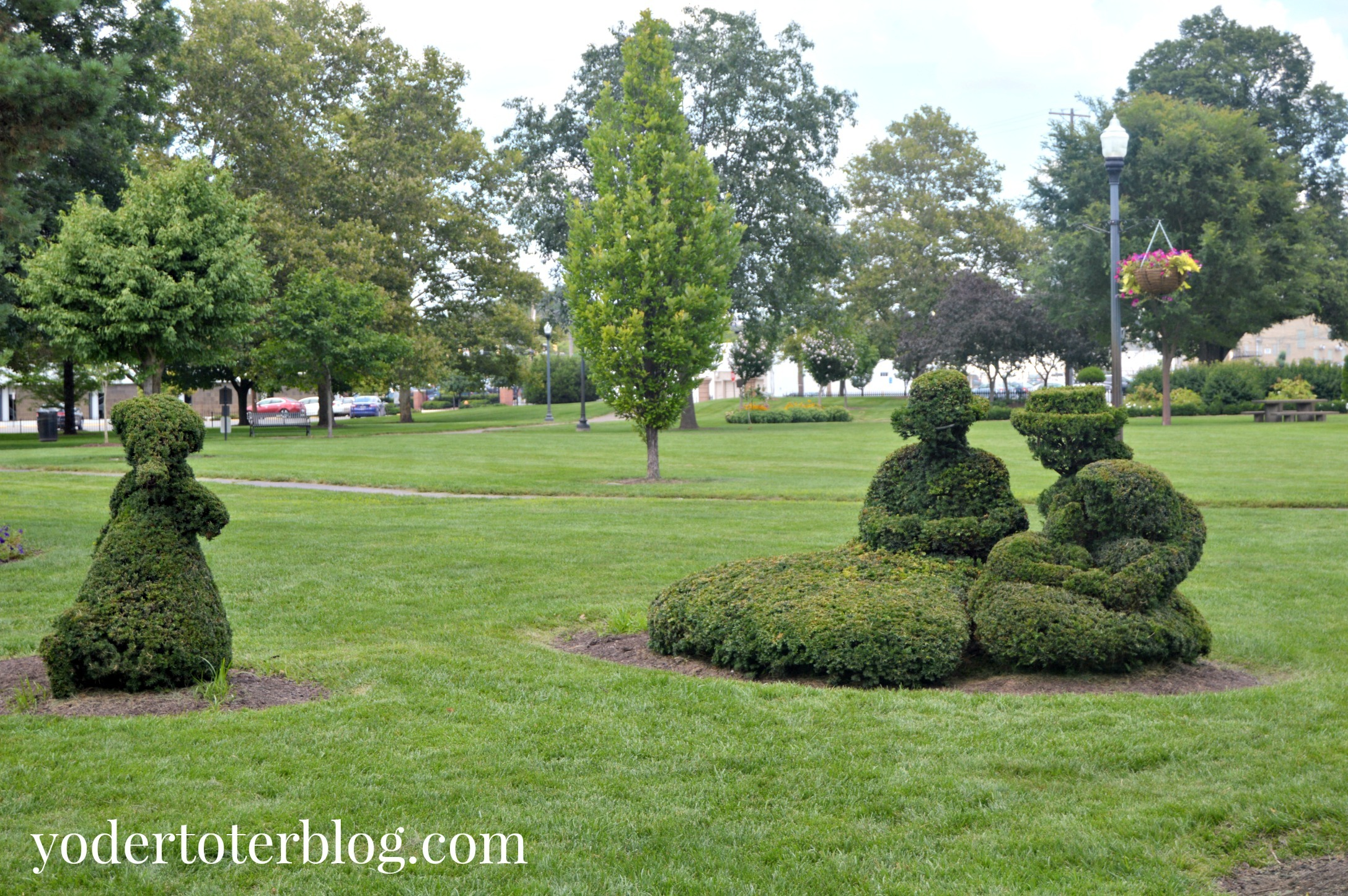 Topiary Park - 5 free things to do in Columbus, Ohio with kids