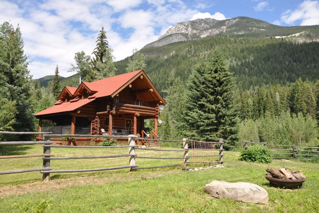 airbnb-2-grey-owl-lake-louise
