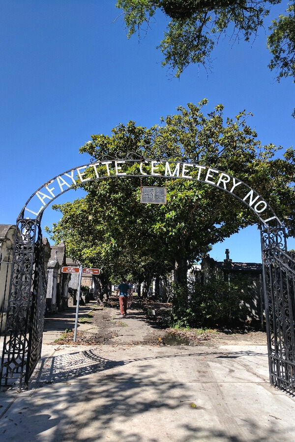 Lafayette Cementary Tour