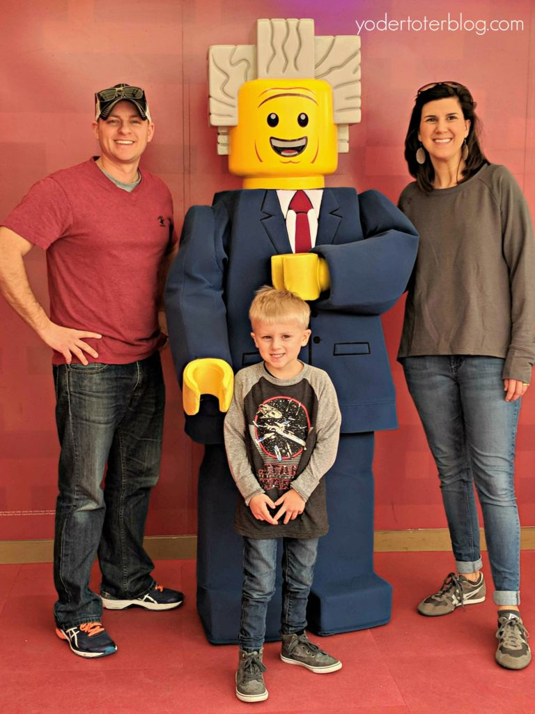 Character Meet & Greet at LEGOLAND Florida- This kid-friendly theme park is perfect for those ages 3-9. Here's more about our 2-day visit.