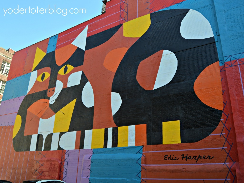Weekend in Cincinnati, Ohio - Fun things to do in Cincinnati including a Mural tour in the historic Over-the-Rhine neighborhood.