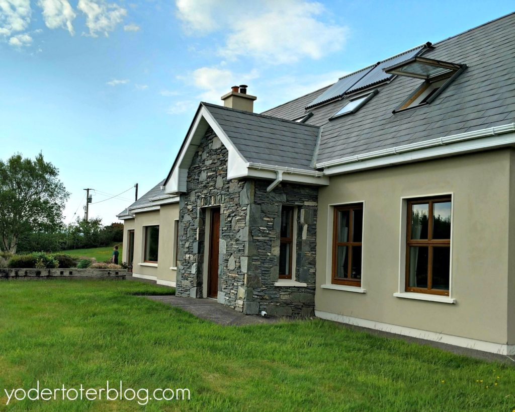 Airbnbs save money on accommodation in Ireland, Ireland travel cost, travel to ireland on a budget, road trip budget,