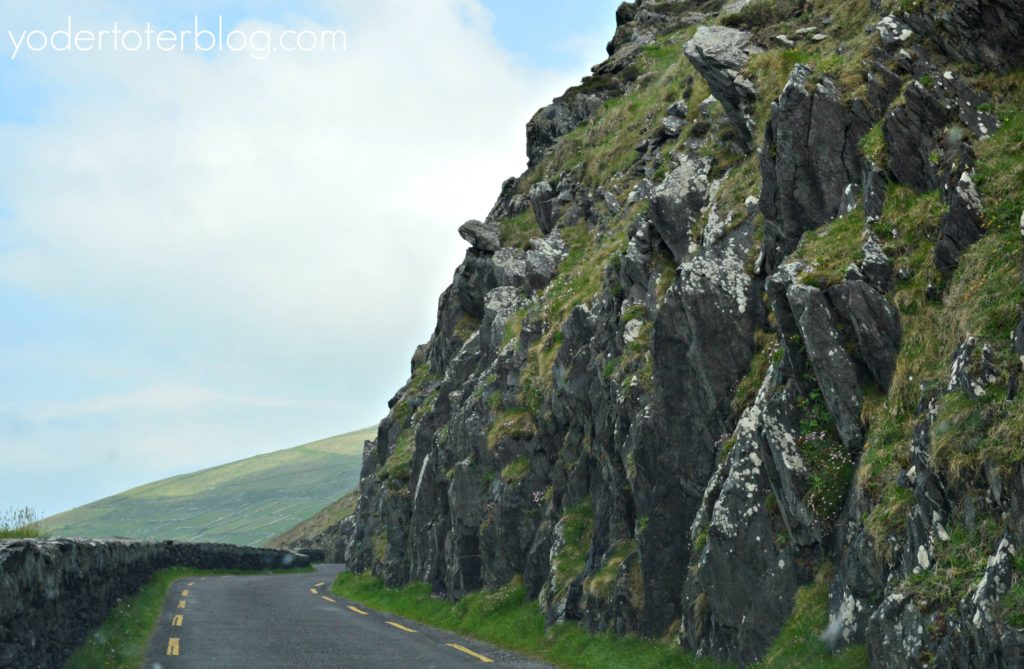 The road around Slea Head. The Dingle Peninsula and Slea Head Drive in one day.