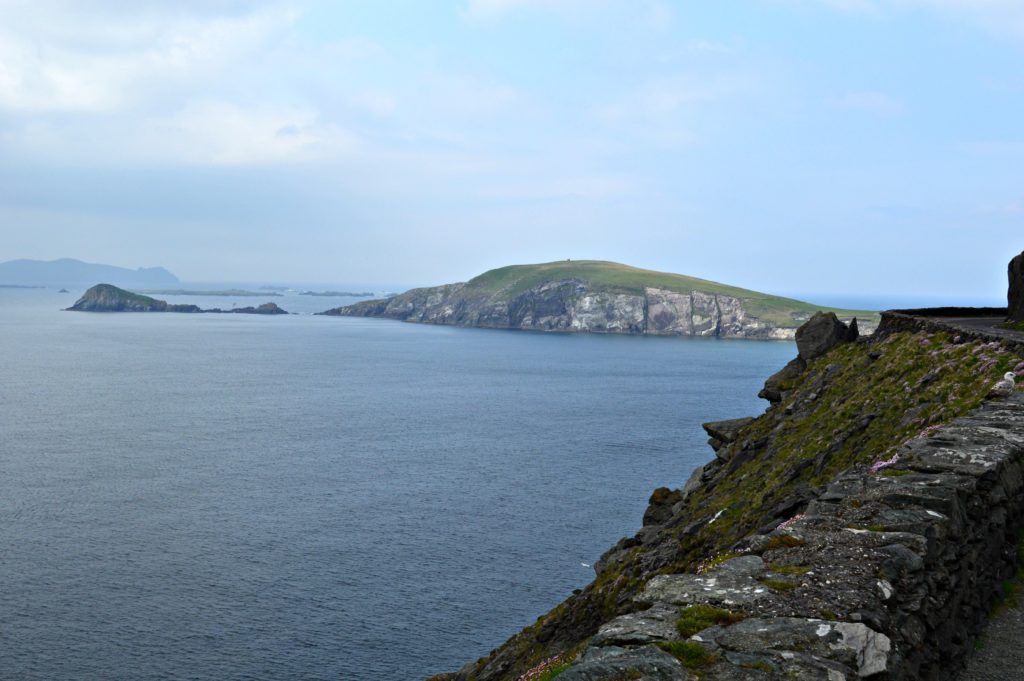Slea Head - view of the Blasket Islands from Slea Head Drive along the Dingle Peninsula - One day on the Dingle Peninsula and Slea Head.