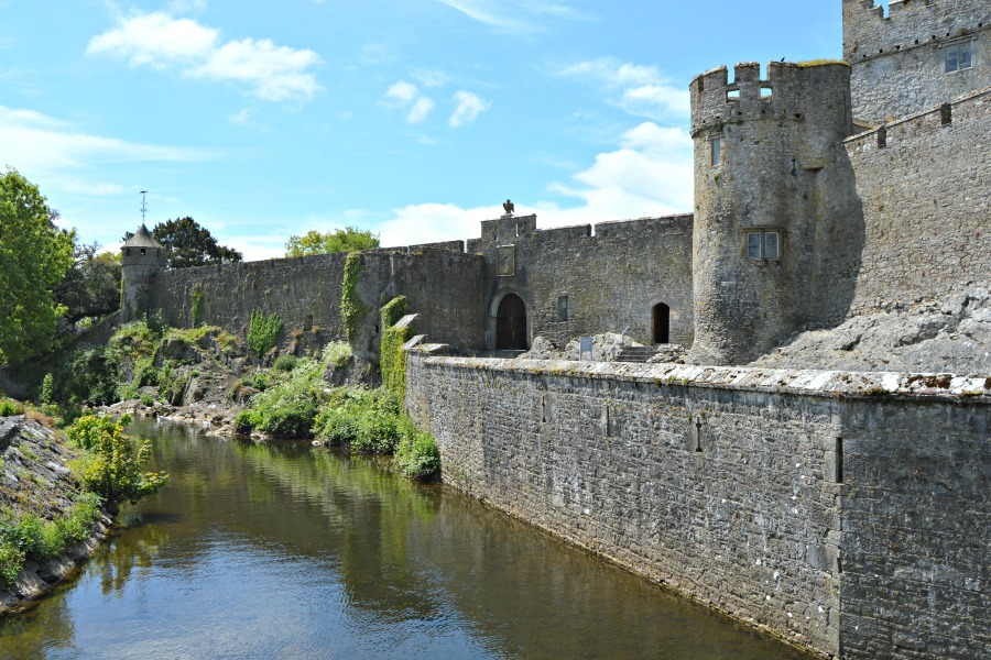 Things to do in County Tipperary Ireland- Cahir Castle