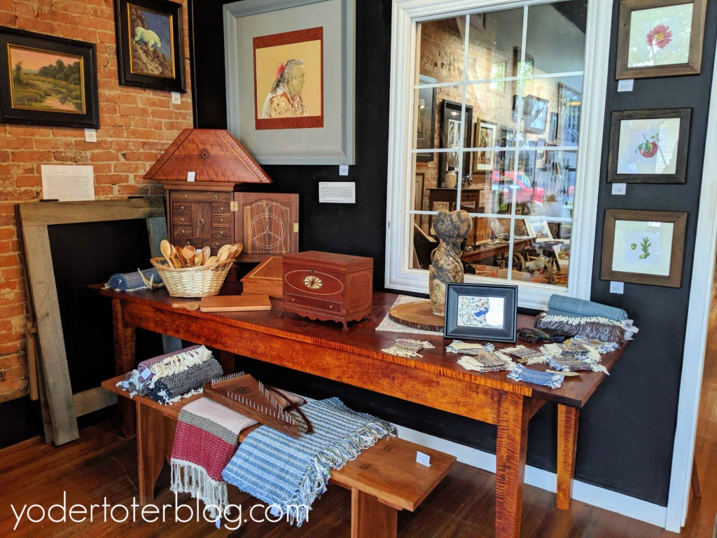 Things to do in Millersburg, Ohio - downtown shopping