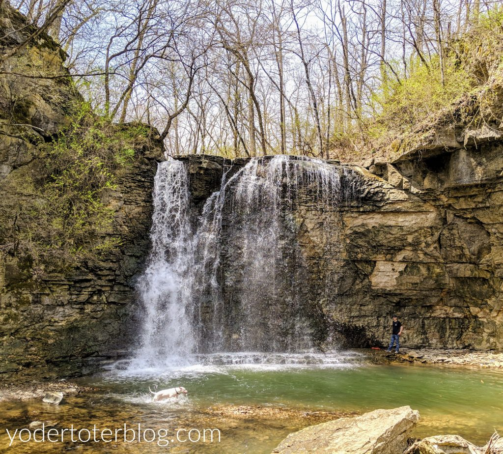 Hayden Run Falls, on the northwest side of Columbus, Ohio, offers a daytime retreat from the hustle and bustle of city life.  It's one of my favorite waterfalls of Ohio.